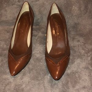 8.5 Vintage Caressa suede/leather heels from Spain